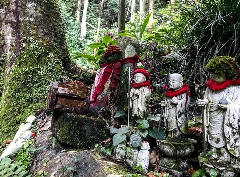 大鈩不動尊のお地蔵様が静岡パワースポット